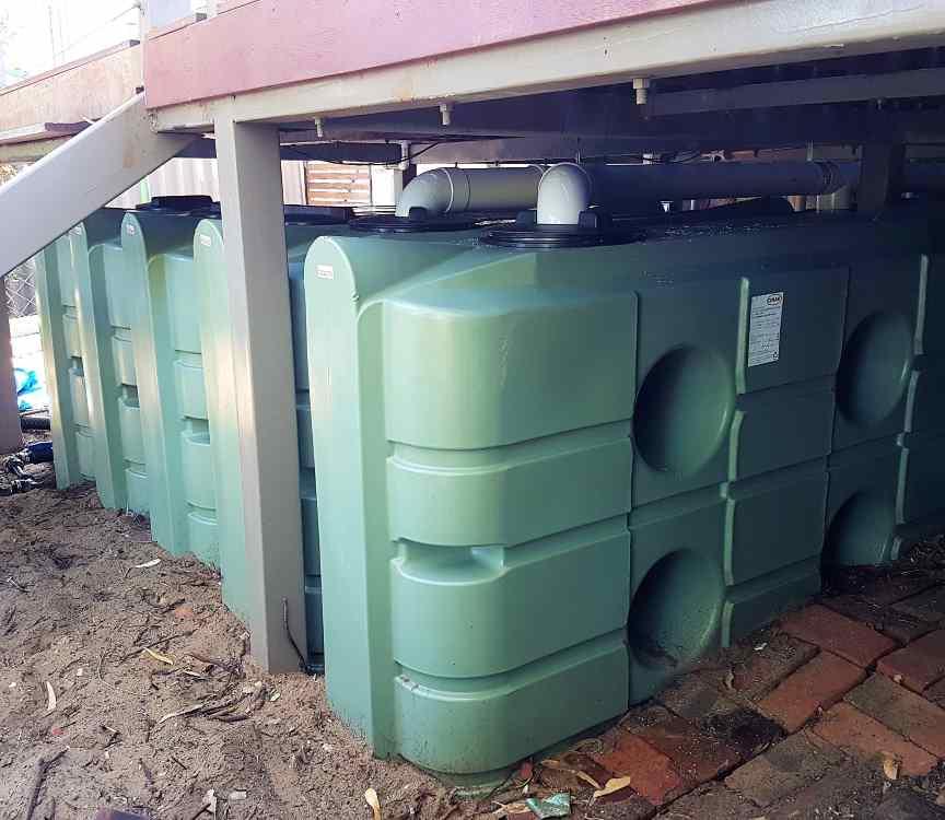 Graf Plastics UEV1100 slimline rainwater tanks