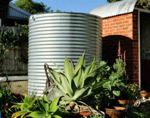 1000 gallon round steel rainwater tank
