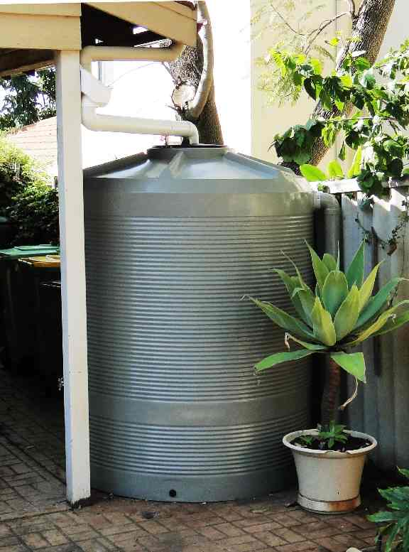 West Coast Poly 2500L Suburban round poly rainwater tank